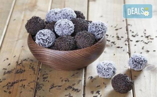 За Празниците! Един кг Домашни Шоколадови Топки с Кокос или с Шоколад от Muffin House! Над 40 Броя Топки на Супер Цена!