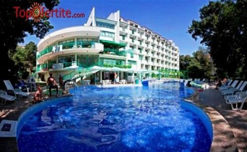 Златни пясъци, хотел Перуника 3 * през Май и Юни! Нощувка на база ALL INCLUSIVE + позлване на външен басейн с чадър и шезлонг, тенис на маса и фитнес