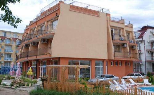 Лято в Равда, Хотел Германа Бийч 2*: Нощувка + Закуска + Обяд + вечеря