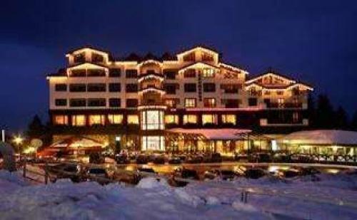Роженски събор 14 - 18 юли, Апартамент за двама Полупансион в Хотел Снежанка, Пампорово