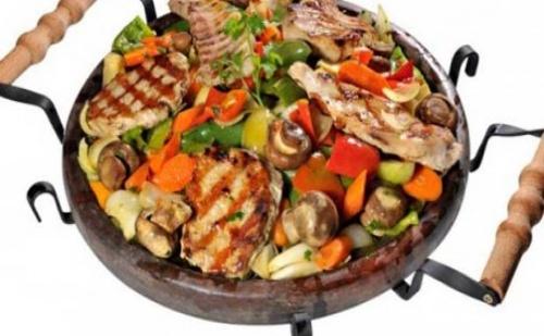 Касапска гощавка на сач, Кръчмарски сач или Манастирски сач - 0,500 гр. за Двама от ресторант Мамбо