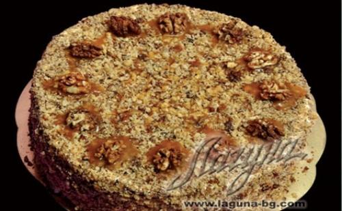 """Това е класика! Френска селска торта с медени блатове, заквасена сметана и орехи от Виенски Салон """"Лагуна"""""""