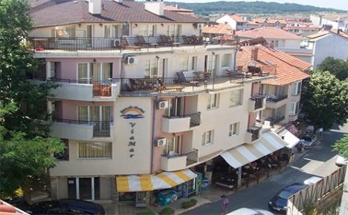 Лято в Созопол, Семеен Хотел Виамар: Нощувка за един човек