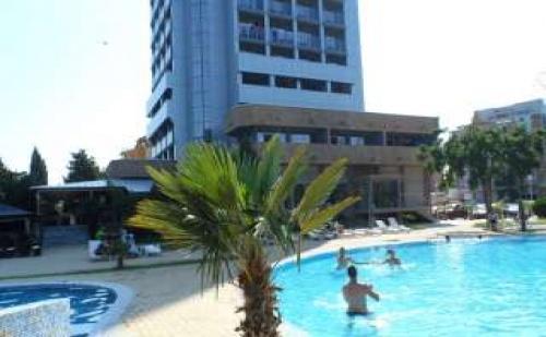 Море 2017 в реновиран хотел в Несебър, 5 дни без изхранване в хотел Каменец Несебър