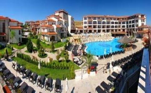 През лятото в хотел със СПА термална зона, закуска в Хотел Винярдс, Ахелой