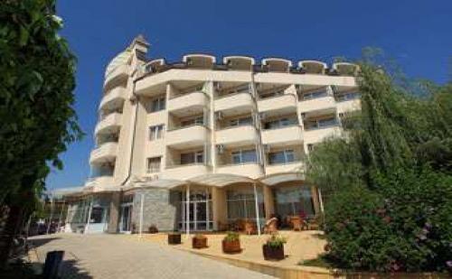 Лято 2017 в топ курорт, 5 дни на база all inclusive до 05.07 и след 23.08 в Хотел Аврора, Св. Константин