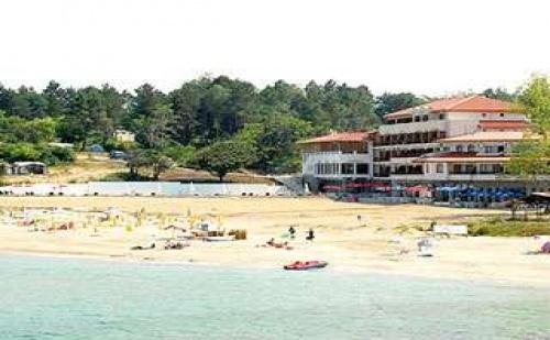 Мечтана почивка на морския бряг на къмпинг Юг, 5 дни с чадър на плажа от Хотел Морско конче