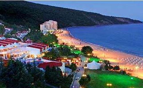 Семейна почивка в Елените с големи отстъпки, 5 дни All inclusive с плаж и Аквапарк до 11.07 във Вили Елените