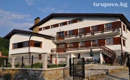 Наем на цяла къща за 1, 2 или 3 нощувки до 22 човека в Къща за гости Балкански кът до Габрово