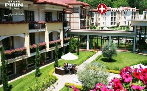 Нощувка за двама възрастни с включени закуски,ползване на външен и вътрешен басейн с минерална вода и SPA зона в парк хотел Пирин***** , Сандански