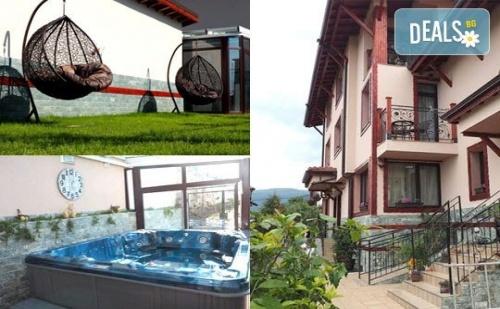 Почивка и релакс в хотел Коко Хилс 3*, Сапарева баня! 1 нощувка със закуска в помещение по избор, ползване на СПА!