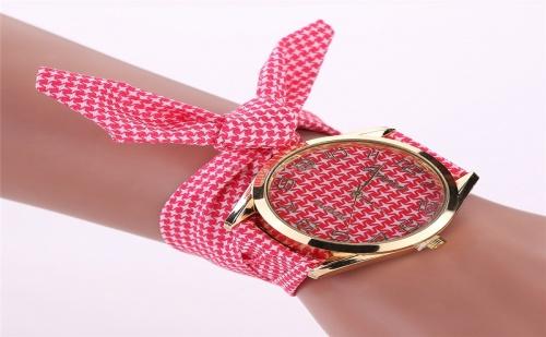 Дамски Часовник с Панделка Каре