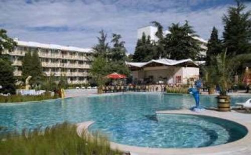 Четири звезди в центъра на Албена, лято 2017 до 09.07 all inclusive от хотел Малибу