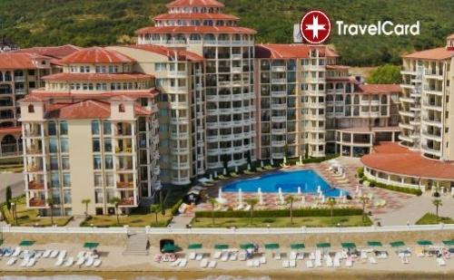 Пакет нощувки за двама възрастни плюс дете до 12 г. на база ALL inclusive изхранване с включени чадъри и шезлонги на морския плаж и ползване на Аквапарк на първа линия  в хотел  ...