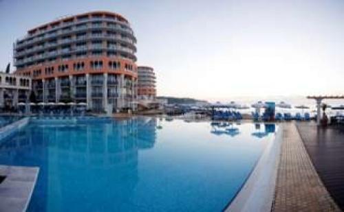 7 дни All Inclusive Ultra за двама и собствен плаж до 05.07 в Хотел Азалия и СПА, Св. Константин