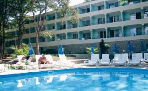 Горещо лято в Китен, 5 дни All Inclusive за двама до 07.07 в хотел Ариана