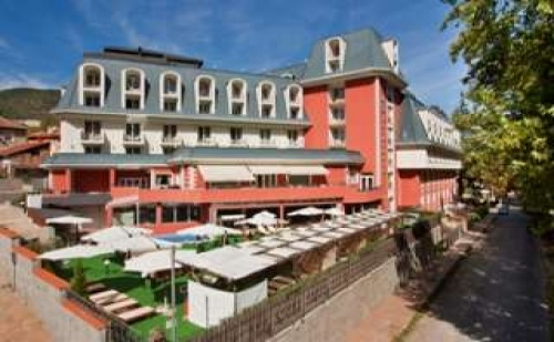 Делнична Спа Промоция във Велинград, Пакети за Двама със Закуска в Спа Хотел Акватоник