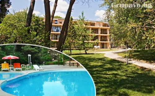 Ранно лято на първа линия в Несебър. All inclusive + басейн в Парк хотел Оазис***