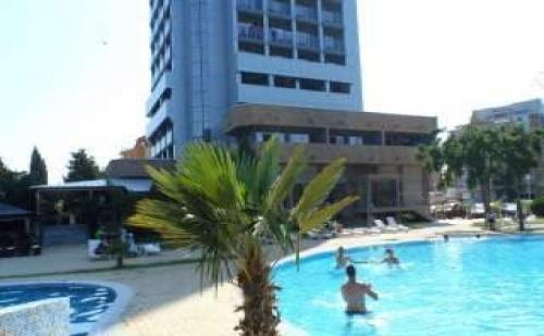 Море 2017 в Реновиран Хотел в Несебър, 5 Дни без Изхранване до 20.06 в Хотел Каменец Несебър
