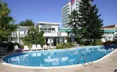 All Inclusive в Изцяло Обновен Хотел, 5 Дни до 14.07 на Метри от Плажа в Иглика Вила Маре, Сл. Бряг