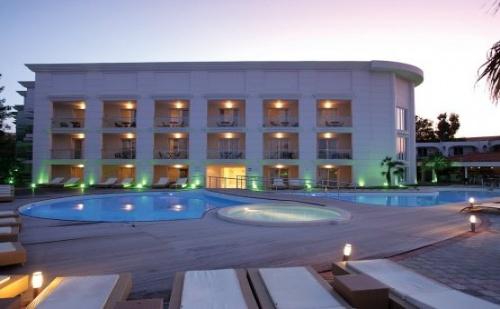 Почивка в Elinotel Apolamare, Hanioti, Halkidiki на цена от 80.80лв на база Закуска и Вечеря