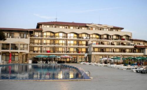 Хотел Морско Конче , Разположен на Самия Плаж е Прекрасно Място за Семейна Почивка до Лозенец, за Една Нощувка и Закуска / 20.05.2017 - 12.06.2017