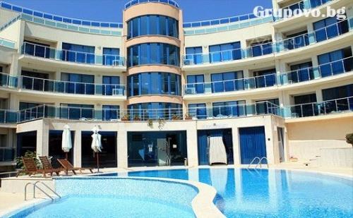 Цяло Лято в Обзор на 100М. от Плажа! Нощувка със Закуска + Басейн, Чадър и Шезлонг на Плажа от Хотел Аквамарин