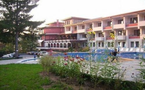 Почивка в Троянския Балкан! Нощувка + Басейн за 29 лв. в Парк Хотел Троян