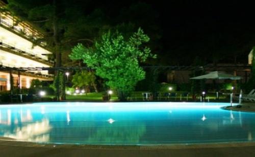 Лятна Почивка в Италия - 7 Нощувки със Закуски и Вечери + Напитки през Юни в 4* Хотел Pineto Wellness & Spa в Пулия! Включени Чартър от София + Летищни Такси!