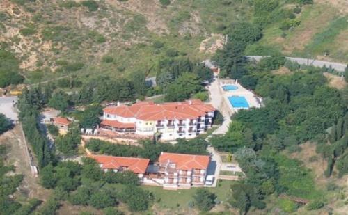 Почивка в FilosXenia Roxani Country House Hotel, на цена от 32.10 лв.