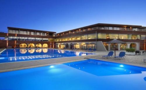 Почивка в Blue Dolphin Hotel, Халкидики - Ситония, на цена от 72.10 лв.