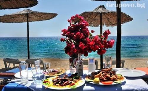 10 - 30 Септември на ПЪРВА ЛИНИЯ в Гърция! Нощувка със закуска и вечеря в хотел Angelos Garden, Tорони,  Халкидики