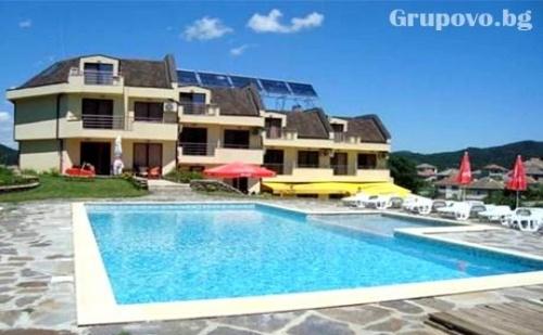 Почивка в Родопите. Нощувка, Закуска и Вечеря + Басейн в Хотел Енчеви, Близо до Гърция