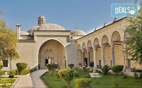 Екскурзия до Одрин, Турция: 2 дни, 1 нощувка със закуска, транспорт и водач от Данна Холидейз!
