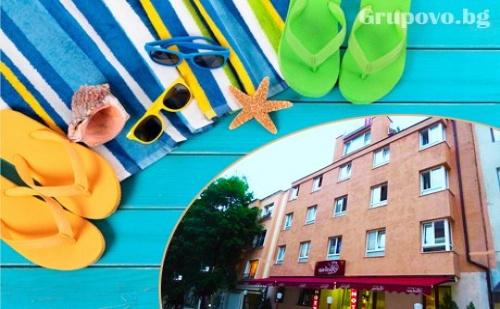 Нощувка за ДВАМА през Септември в хотел Виктория, Варна