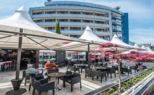 Топ Предложение за Море в Несебър през Септември - Хотел Мариета Палас ! Пакети със Закуска + Ползване на Панорамен Външен Басейн с Джакузи!