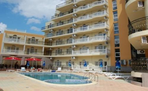 Super Last Minute за Море през Септември в Китен - Хотел Принцес Резиденс Близо до Плажа! Нощувка със Закуска + Вечеря + Ползване на Външен Басейн, Чадър и Шезлонг!