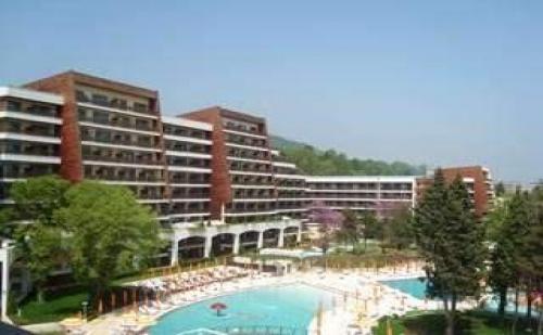 Нова година в 5 звезден морски хотел, 3 дни с Празнична вечеря и програма от Хотел Фламинго Гранд, <em>Албена</em>