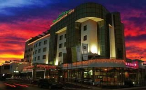 Луксозна Нова Година със Спа Пакет в Хотел Дипломат Плаза, Луковит, 2 Дни с 2 Вечери