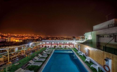 Нова Година в Солун - Три Нощувки и Закуски за Двама в Хотел Capsis