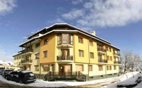 Снежна Новогодишна Вечер в Банско, 3 Дни за Цяло Семейство в Апартамент в Мон Блан