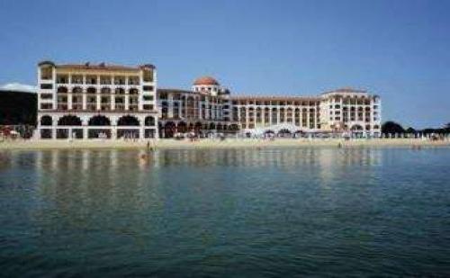ТОП хотел на първа линия РИУ Хелиос Бей, <em>Обзор</em>, All Inclusive през юли и август