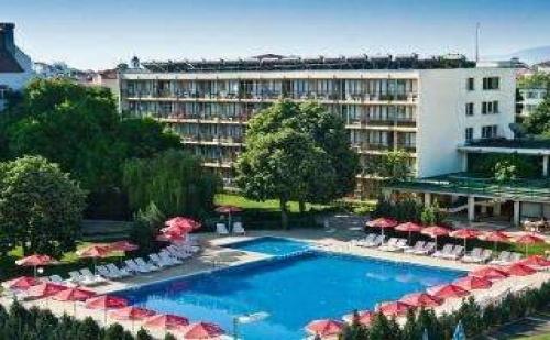 Лятна Почивка в Приморско, 7 Дни Полупансион и Бонус Детски All Inclusive до 23.06 в Хотел Белведере