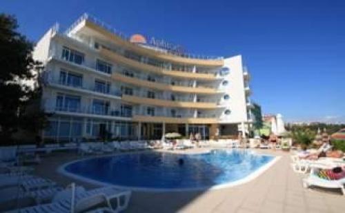 Слънчево Лято до Плажа в <em>Несебър</em>, 5 Нощувки След 26.08 в Хотел Афродита