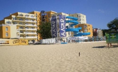 Ранни Записвания за Море в <em>Китен</em> - Хотел Принцес Резиденс! Пакети със Закуски на Метри от Плажа + Външен Басейн!