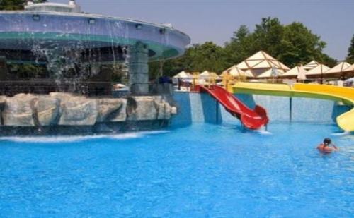 Ранни Записвания за Лято в <em>Албена</em> - Хотел Магнолия!  Нощувка на База All Inclusive + `чадър и Шезлонг на Плажа и Басейна + Детска Анимация!!!