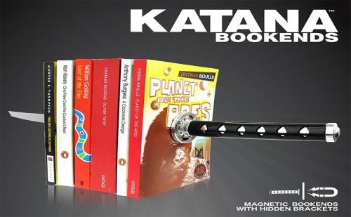 Подпирачка за Книги – Катана