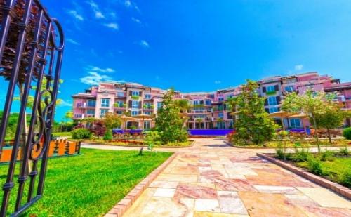 Ново! Лято 2018 в Хотел Свети Йоан*** <em>Созопол</em>! 1 Нощувка в Помещение по Избор+ Външен Басейн, Шезлонг и Чадър на Цени от 97.80 лв!