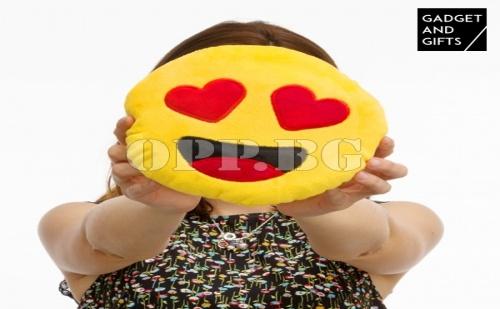 Плюшен Емотикон Сърце