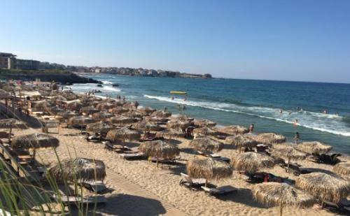 Ранни Записвания за Море в <em>Созопол</em> - Вила Ориндж! на Метри от Плажа Бамбу Бийч! Пакети със Закуски + Ползване на Външен Басейн!
